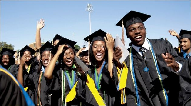 African-American-College-Graduates-from-HBCU-Hampton-University