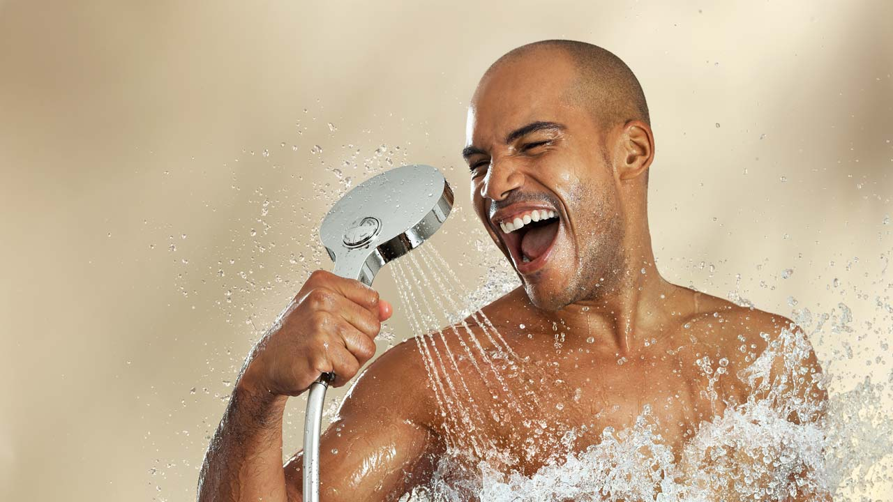 This image has an empty alt attribute; its file name is shower.jpg