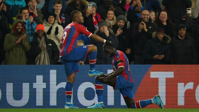 Jordan Ayew scores stunner to clinch a win for Crystal Palace against West Ham (image: Sports Illustrated)